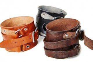 leather wrist strap