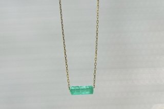 Emerald Top Necklace<img class='new_mark_img2' src='https://img.shop-pro.jp/img/new/icons8.gif' style='border:none;display:inline;margin:0px;padding:0px;width:auto;' />