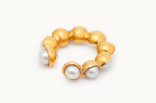 PICCHIETTARE  Ear Cuff size:S<img class='new_mark_img2' src='https://img.shop-pro.jp/img/new/icons8.gif' style='border:none;display:inline;margin:0px;padding:0px;width:auto;' />