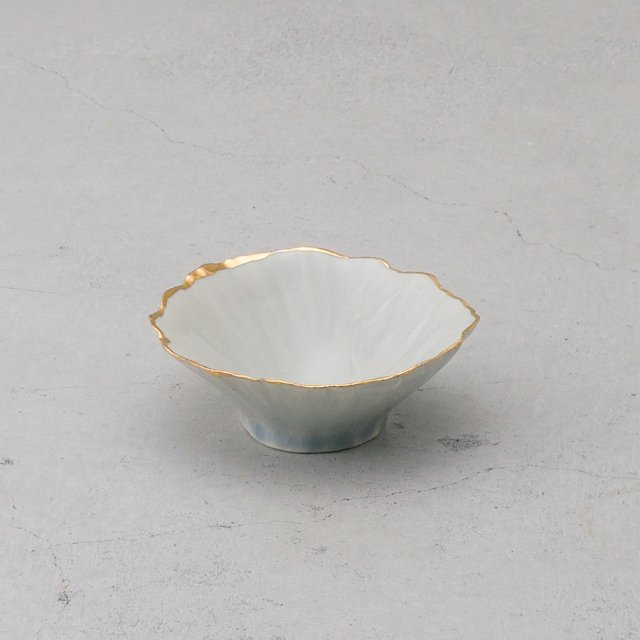 <img class='new_mark_img1' src='https://img.shop-pro.jp/img/new/icons52.gif' style='border:none;display:inline;margin:0px;padding:0px;width:auto;' />FISHEYE CERAMICS ピンチボウル S ICE BLUE