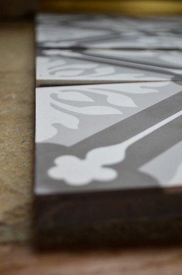 アンティークタイル e 14センチタイル セメントタイル 輸入タイル 古材 フランスタイル シャビーな床材 フロアータイル 通販8