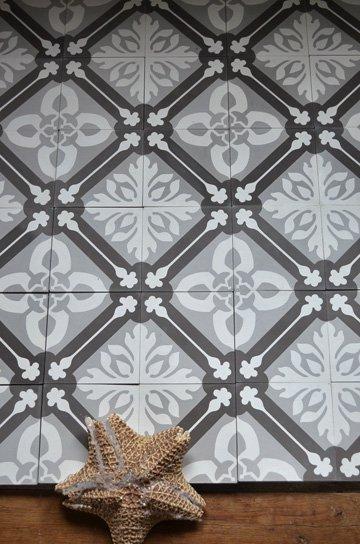 アンティークタイル e 14センチタイル セメントタイル 輸入タイル 古材 フランスタイル シャビーな床材 フロアータイル 通販3