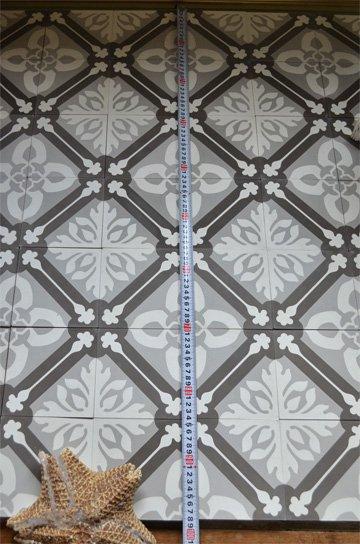アンティークタイル e 14センチタイル セメントタイル 輸入タイル 古材 フランスタイル シャビーな床材 フロアータイル 通販4