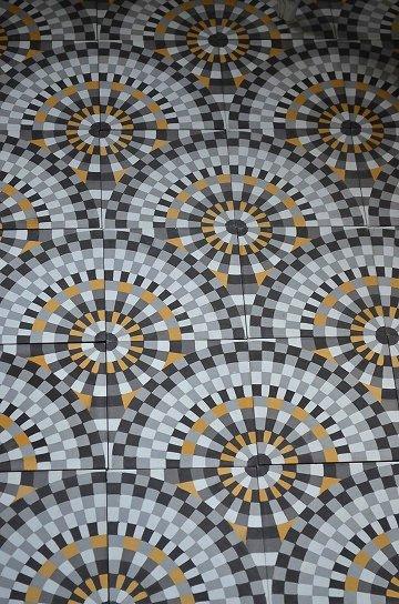 アンティークタイル c 14センチタイル セメントタイル 輸入タイル 古材 フランスタイル シャビーな床材 フロアータイル 通販3