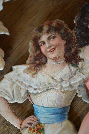 ドレス姿の女の子達の大きなクロモスカード,アンティークカード,フレンチカード,クロモスカード,ブロカント,アンティーク雑貨,通販4