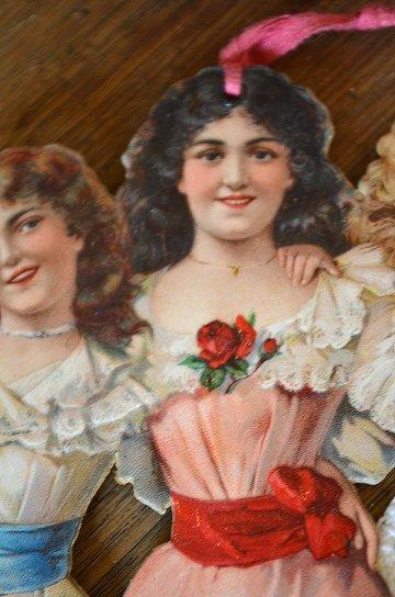 ドレス姿の女の子達の大きなクロモスカード,アンティークカード,フレンチカード,クロモスカード,ブロカント,アンティーク雑貨,通販5