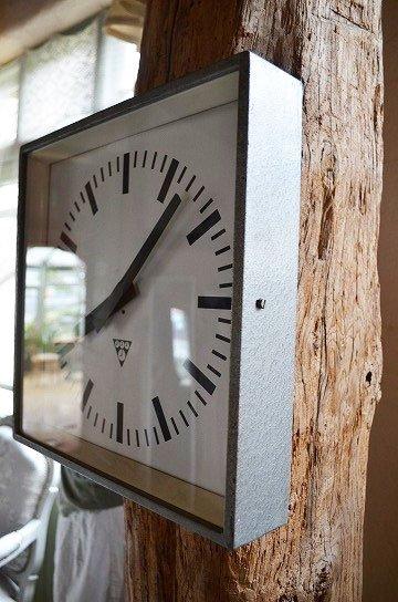 パラゴトロンクロック,パラゴトロン時計,オリジナル針,Pragotron,アンティーク時計,スチール角型,学校の古時計,壁掛け時計,アンティーク家具,通販 5