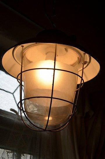 チェコ製ガラスホーローシェードライト,エナメルシェードライト,アンティークライト,アンティーク照明,ホーローシェードライト,インダストリアルライト,アンティーク家具,おしゃれな照明,通販6