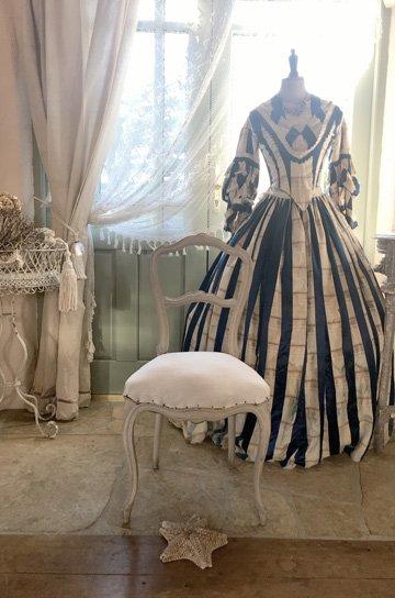 ルイ15世, ロココ調バルーンバックチェア,バルーンバックチェア,フレンチチェア,アンティークチェア,ロココ調,チェア,アンティーク椅子,サロンチェア,ファブリックチェア,販売1