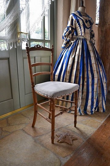 リボン彫刻のナポレオンチェア,アンティークチェア,フレンチチェア,アンティーク椅子,ナポレオン3世チェア,アンティーク家具,通販,販売2