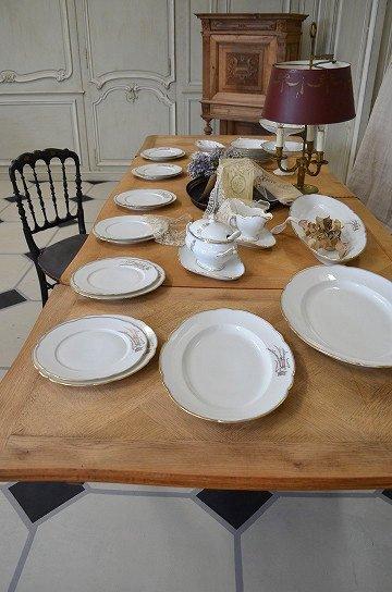 フレンチテーブル