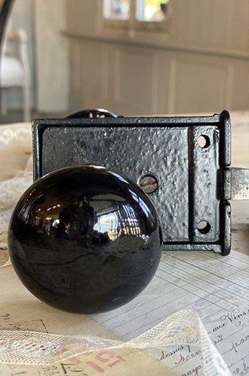 陶器製ドアノブb