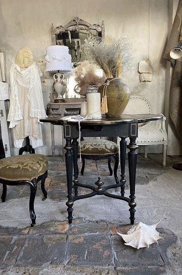 ブラックナポレオンテーブル,ナポレオン3世テーブル,アンピール様式テーブル,黒檀,エボニー,マルケトリー装飾,アンティークテーブル,アンティークデスク,フレンチアンティーク,アンティーク家具,通販