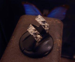 Ring/鱗テクスチャーリングM 8号【6~18号まで調整いたします】