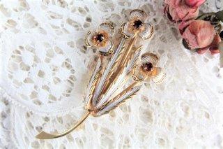 お花モチーフ ルビーレッドのヴィンテージブローチ