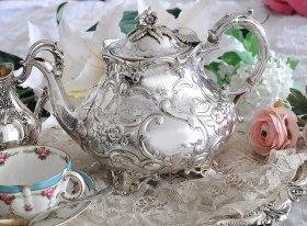 英国アンティーク銀器【純銀】1867年 ヴィクトリアンティーポット Alexander Macrae