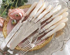 英国アンティーク【純銀】1868年 白蝶貝ハンドルの美彫りデザートカトラリー 薔薇装飾   Exeter <MD有>