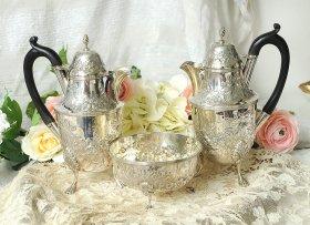 英国アンティーク銀器【純銀】リボンのカフェオレセット(コーヒーポット二点+シュガーボウル)