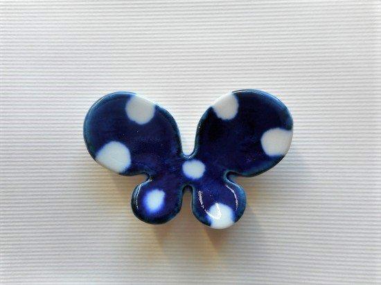 砥部焼 皐月窯 蝶の箸置き(水玉)