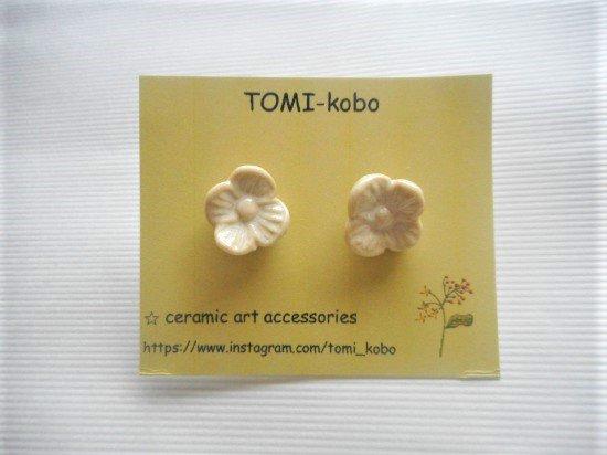 TOMI-kobo お花のピアス(白)