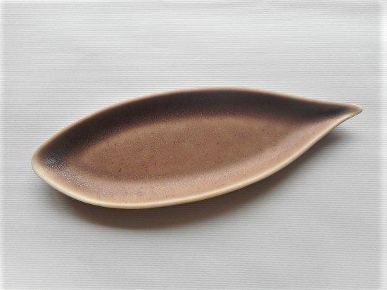 佐々木綾子(AYAKO SASAKI porcelain)leaf#4(あずき色)
