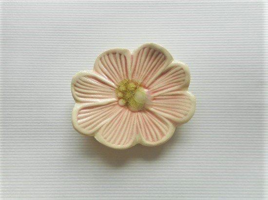 TOMI-kobo ピンクのお花の箸置き