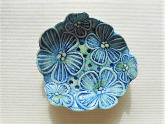 TOMI-kobo 青いお花畑の豆皿