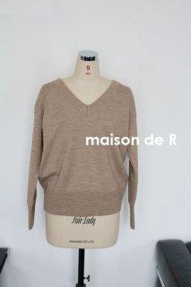 18-11・Vネックセーター