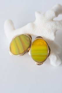 Graphical studs earrings Yellow Agate / イヤリングタイプ