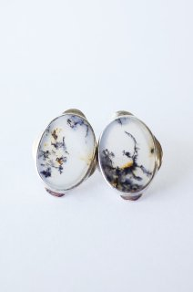 Graphical stud earrings Dendritic Opal 2