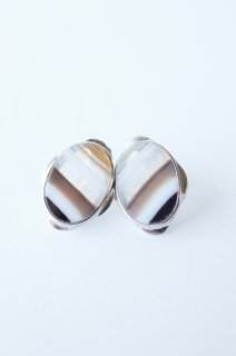 Graphical stud earrings Agate 1