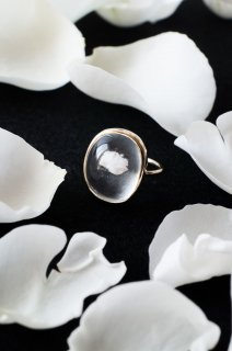 Whiterose quartz ring K14