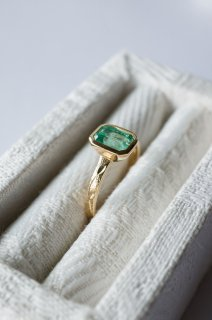 Emerald Relief Ring  K18
