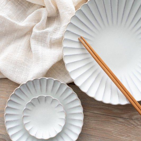 瀬戸焼菊皿(ホワイト)