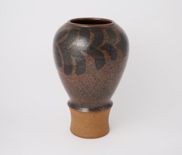 <img class='new_mark_img1' src='https://img.shop-pro.jp/img/new/icons5.gif' style='border:none;display:inline;margin:0px;padding:0px;width:auto;' />UNIQUE PIECE Brown Vase