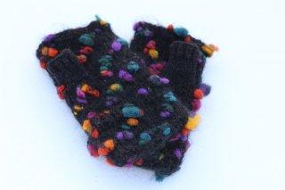 毛糸とフェルト素材の指なし手袋