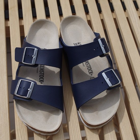 "BIRKENSTOCK ""ARIZONA ナロー幅""<img class='new_mark_img2' src='//img.shop-pro.jp/img/new/icons5.gif' style='border:none;display:inline;margin:0px;padding:0px;width:auto;' />"