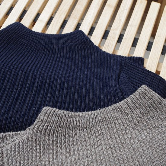 "ANDERSEN-ANDERSEN ""5G THE NAVY CREW NECK"""