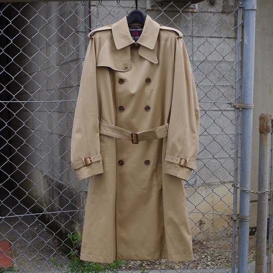 "INVERTERE ""TRENCH COAT"""