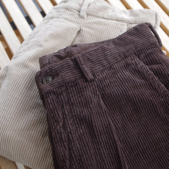 "RICCARDO METHA ""1tuck wide trousers corduroy"""