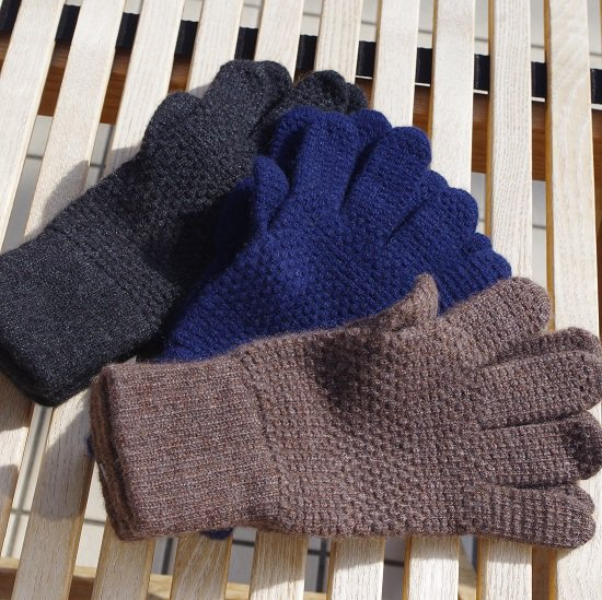 "WILLIAM BRUNTON ""Cashmere gloves"""
