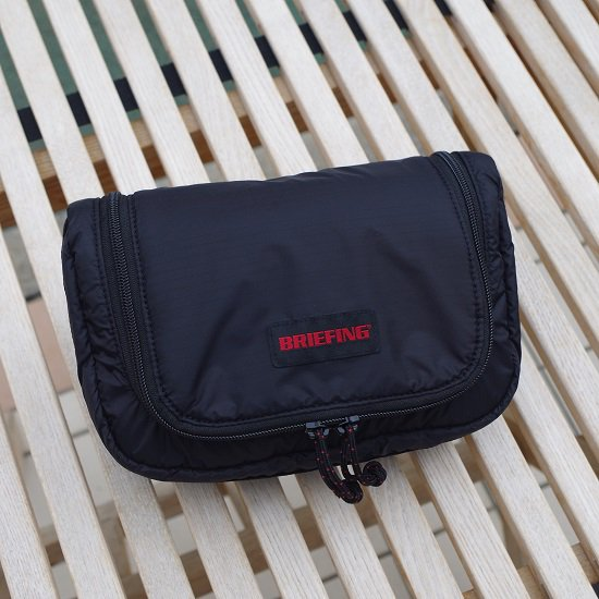 """BRIEFING """"TRIP POUCH""""<img class='new_mark_img2' src='https://img.shop-pro.jp/img/new/icons14.gif' style='border:none;display:inline;margin:0px;padding:0px;width:auto;' />"""