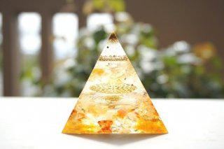 オルゴナイト☆ピラミッド エジプシャン ゴールド目覚め