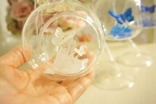 オルゴナイト☆宙に浮く癒しのクリスタルと蝶1  ホワイト
