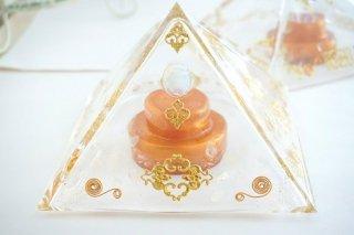 オルゴナイト☆黄金比率ピラミッド型ドーム オパール コア付き