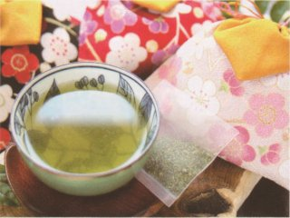 吉笑茶と美人吉笑茶(上煎茶、巾着袋入、風呂敷付)【日本緑茶株式会社】