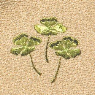 【ネコポス可】お弁当フロシキ・春刺繍 クローバー(丁子色)