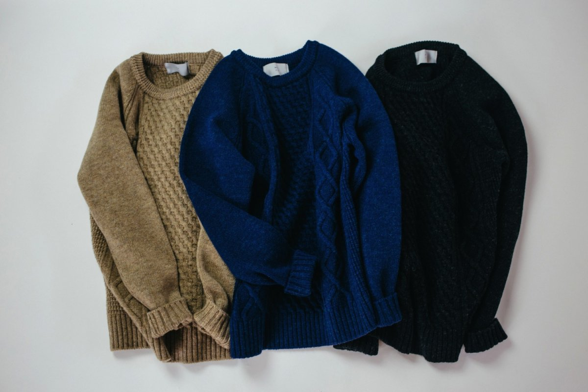 <img class='new_mark_img1' src='https://img.shop-pro.jp/img/new/icons56.gif' style='border:none;display:inline;margin:0px;padding:0px;width:auto;' />MUYA Rough gauge knit Sweater