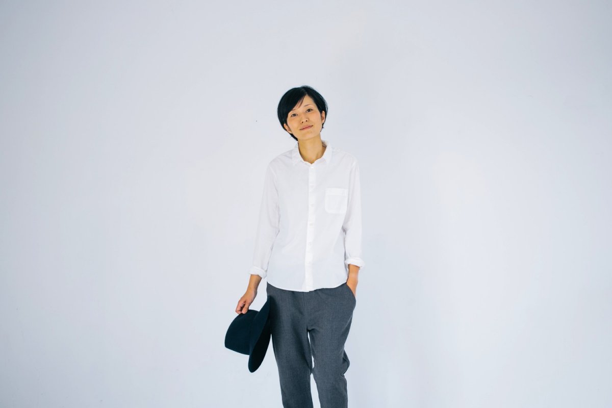 <img class='new_mark_img1' src='https://img.shop-pro.jp/img/new/icons56.gif' style='border:none;display:inline;margin:0px;padding:0px;width:auto;' />MUYA 60/1 Regular collar shirts off white