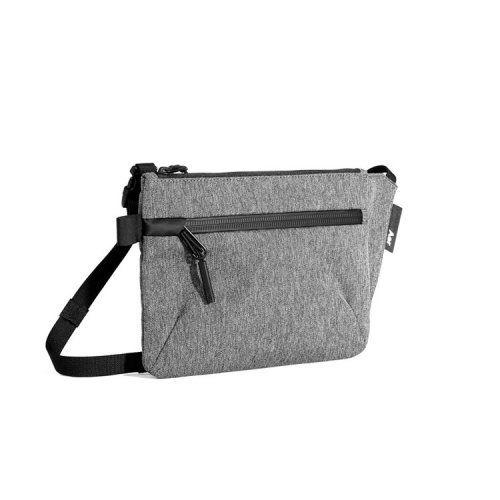 <img class='new_mark_img1' src='//img.shop-pro.jp/img/new/icons6.gif' style='border:none;display:inline;margin:0px;padding:0px;width:auto;' />Aer/ Sling Pouch 「Gray」